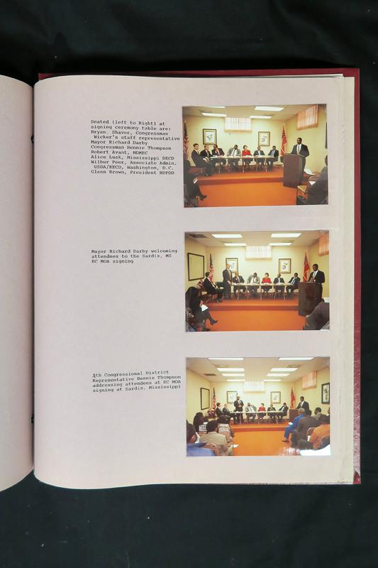 http://storage.lbjf.org/clinton/photos/EconomicsDLE/1996_4381652_07_NDphotos.JPG