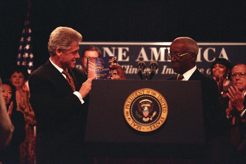 https://clinton.presidentiallibraries.us/clinton-files/dropbox/photos/P66582_12a_18Sep1998_H2.jpg
