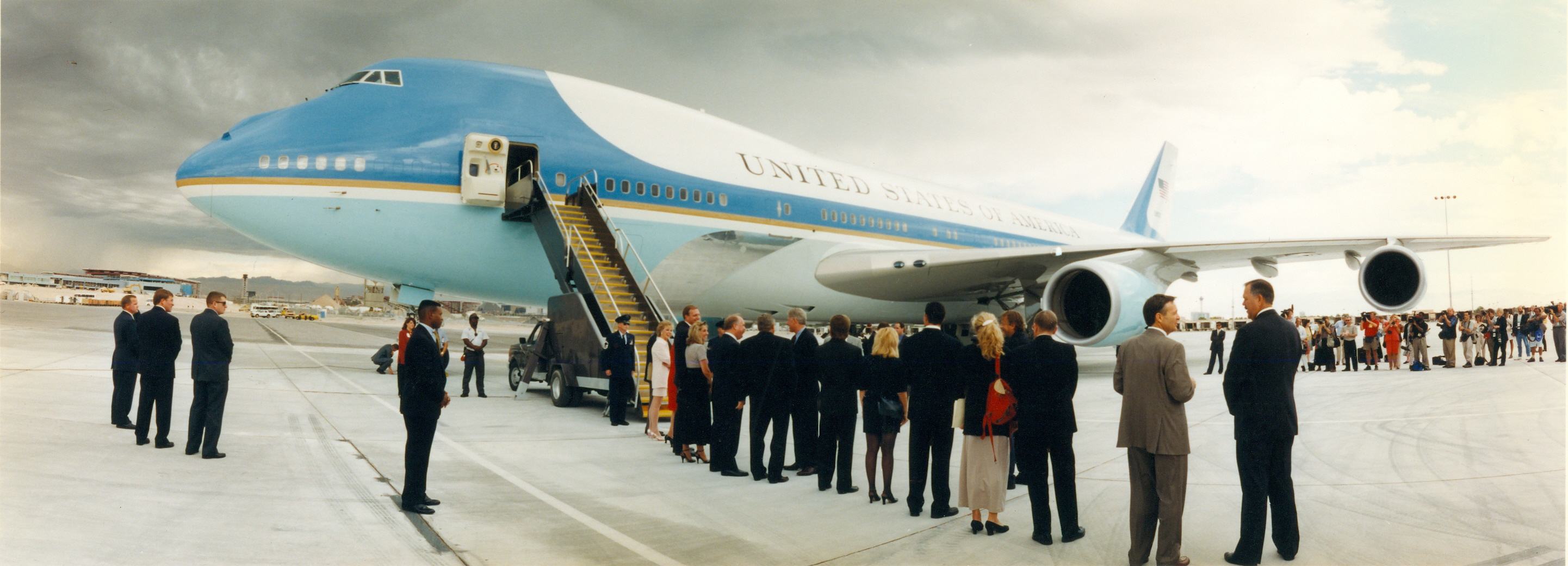 Presidential receiving line in front of Air Force One
