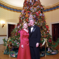 http://www.clintonlibrary.gov/assets/storage/Research-AV/images/P58823_04A_07DEC1997_H.jpg