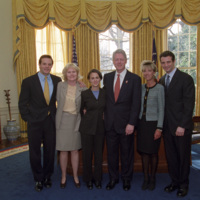 http://storage.lbjf.org/clinton/photos/offices/P88200-15a_16Jan2001_H.jpg