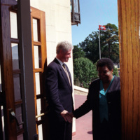 http://storage.lbjf.org/clinton/photos/central/P56506-17_25Sep1997_H.jpg