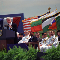 http://storage.lbjf.org/clinton/photos/P82368-31a_17May2000.jpg