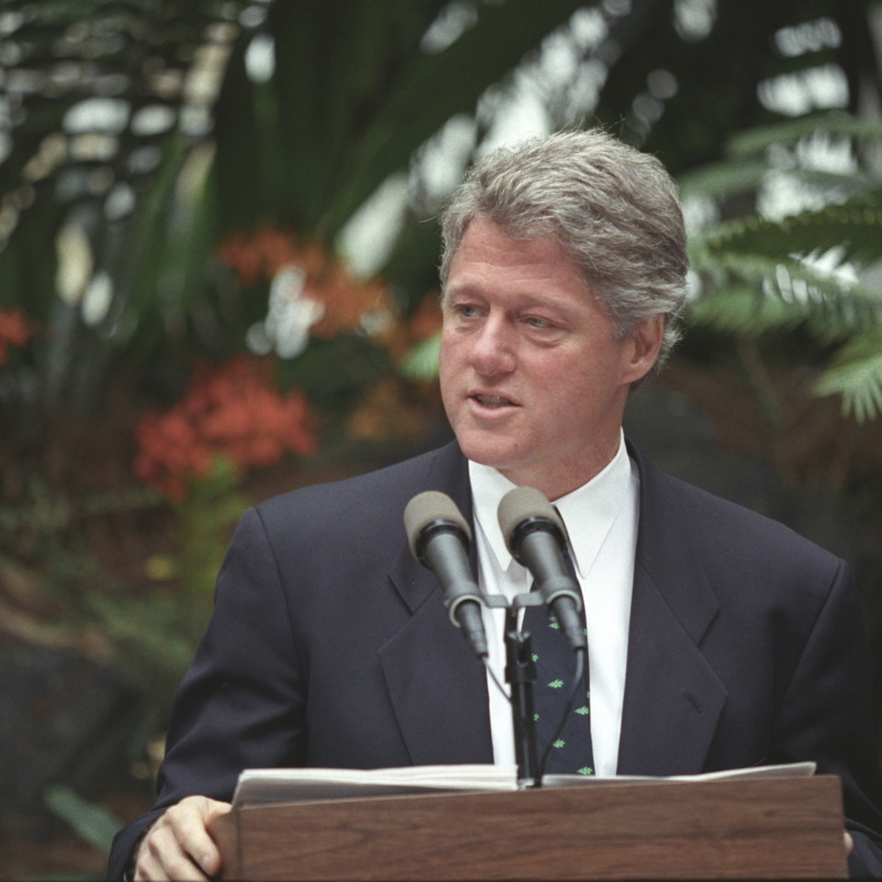 http://storage.lbjf.org/clinton/photos/whgb/P02736_07a_21Apr1993_H.jpg