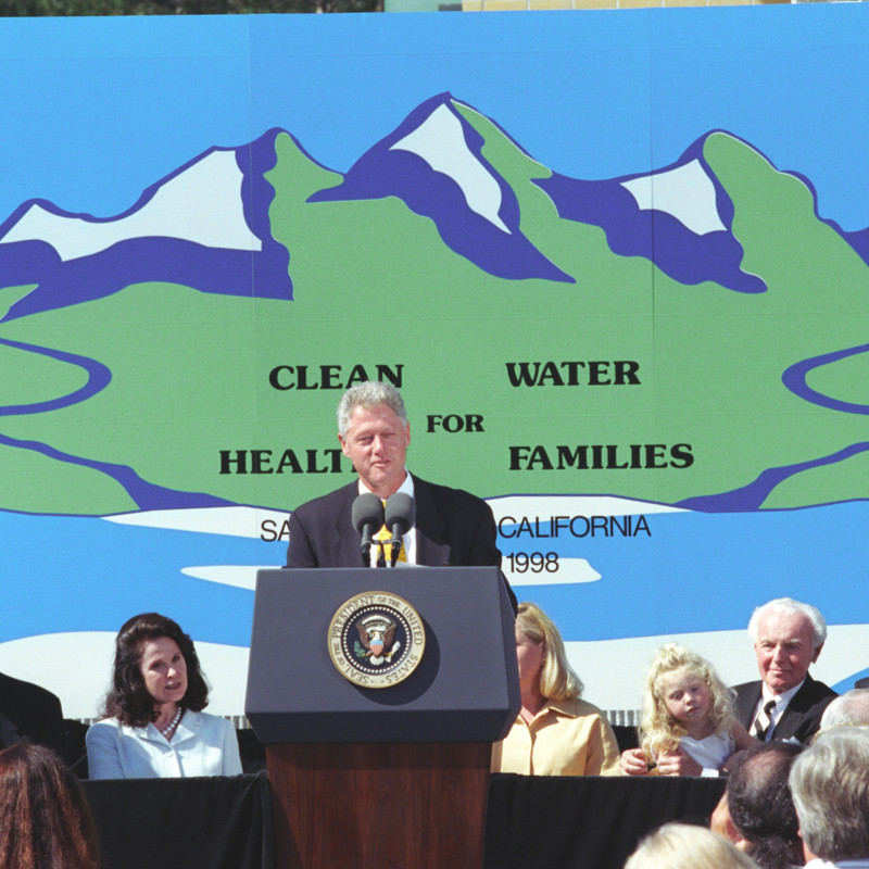 http://storage.lbjf.org/clinton/photos/whgb/P65784_26_11Aug1998_H.jpg