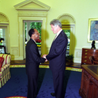 http://storage.lbjf.org/clinton/photos/P20767_04A_14Oct1994_H.jpg