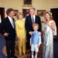 http://storage.lbjf.org/clinton/photos/music/P62207-31_13Apr1998_H.jpg