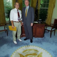 http://clintonlibrary.gov/assets/Documents/Images/P04663_28_17Jun1993_H.jpg