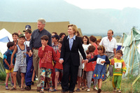 http://storage.lbjf.org/clinton/photos/P73667_25_22JUN1999_H.jpg